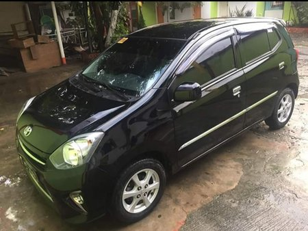 Selling Black Toyota Wigo 2016 at 19000 km
