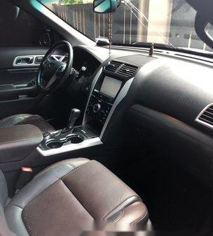 White Ford Explorer 2015 at 40000 km for sale