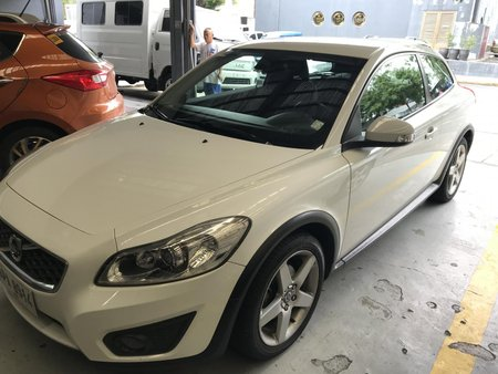 Selling White Volvo C30 2015 at 30000 km in Lipa