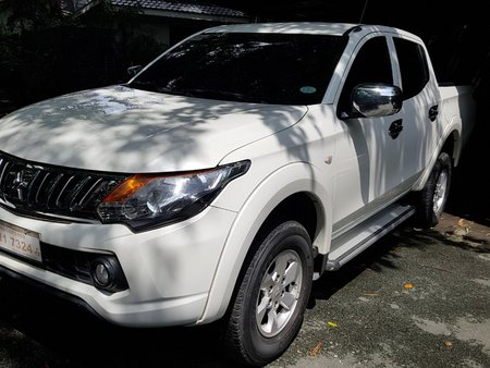 White 2015 Mitsubishi Strada for sale in Pasig