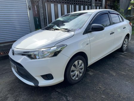 Selling White Toyota Vios 2015 Manual at 38500 km