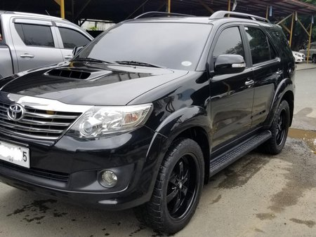 Black 2014 Toyota Fortuner Automatic Diesel for sale