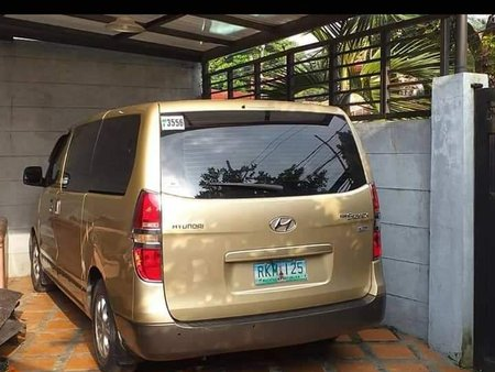 Sell Used 2010 Hyundai Starex in Caloocan