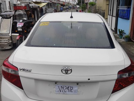 Selling White Toyota Vios 2017 at 30000 km