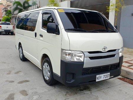 Sell White 2017 Toyota Hiace Manual Diesel