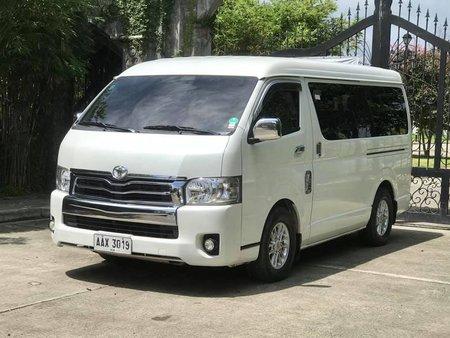 Selling Used Toyota Hiace 2015 Manual Diesel