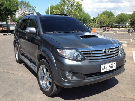 Selling 2nd Hand Toyota Fortuner 2014 Manual Diesel in Lucena