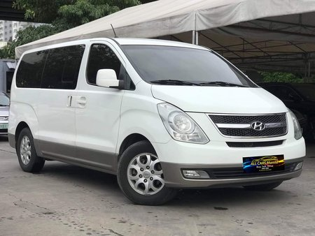 Sell White 2010 Hyundai Grand Starex Automatic Diesel