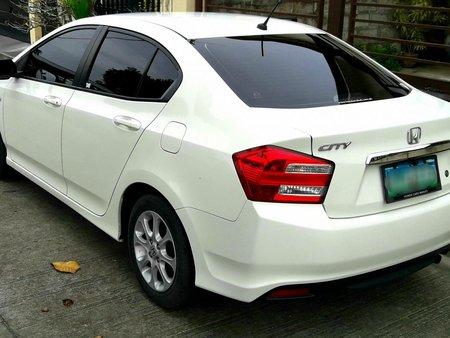 Selling White Honda City 2013 Sedan in Angeles