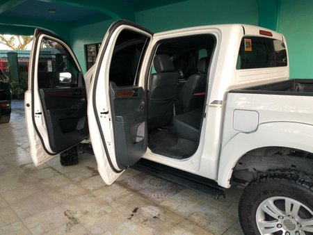Selling White Foton Thunder 2013 in Manila
