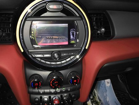 Selling Red Mini Cooper 2017 at 9000 km in Quezon City
