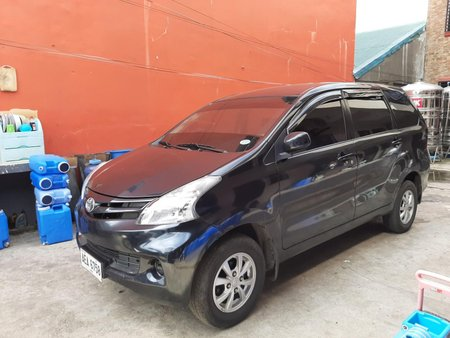 2015 Toyota Avanza Automatic 8 Seater for sale in Santiago