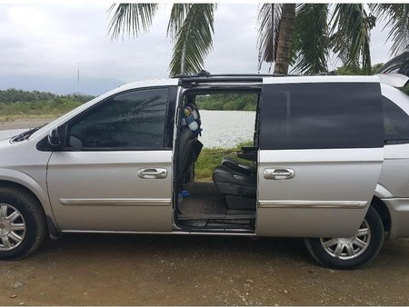 2005 Chrysler Town And Country for sale in Cabanatuan