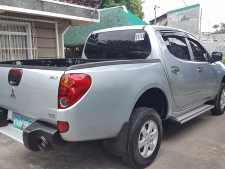 Selling Used Mitsubishi Strada 2008 Truck