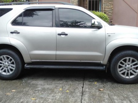 2nd Hand Toyota Fortuner 2006 Automatic Gasoline for sale in Manila