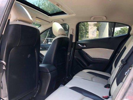 Selling Mazda 3 2015 Hatchback in Manila