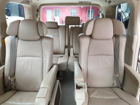 Selling Toyota Alphard 2011 3.5 V6 Automatic in Las Pinas