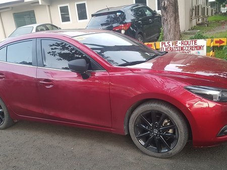 Selling Red Mazda 3 2018 Sedan at 6000 km