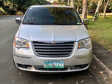 2009 Chrysler Town And Country at 60000 km for sale