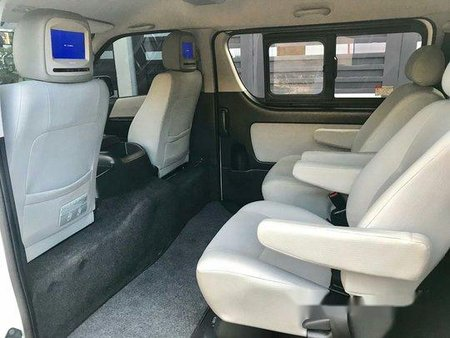 White Toyota Hiace 2016 for sale in Parañaque