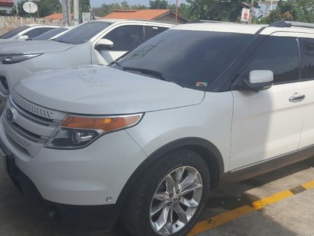 White Ford Explorer 2013 for sale in Cebu City