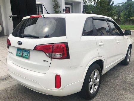 White Kia Sorento 2013 for sale in Mandaluyong