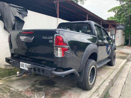 Black Toyota Hilux 2016 for sale in Quezon City