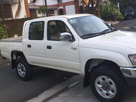 2000 Toyota Hilux Pick up 2.8D M/T 4x4