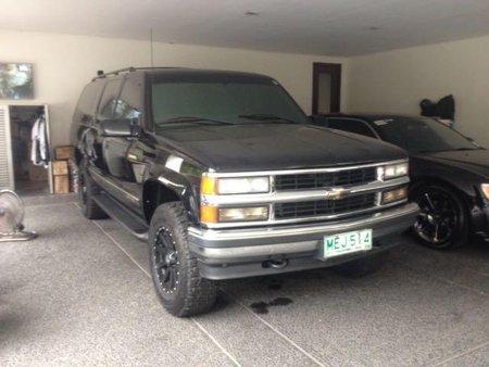 Selling 1999 Chevrolet Suburban in Manila