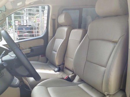 Sell 2013 Hyundai Starex in Quezon City