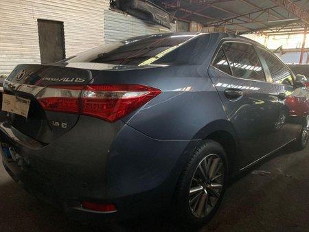 Selling Gray Toyota Corolla Altis 2018 in Quezon City