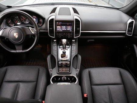 Porsche Cayenne 2013 for sale in Quezon City