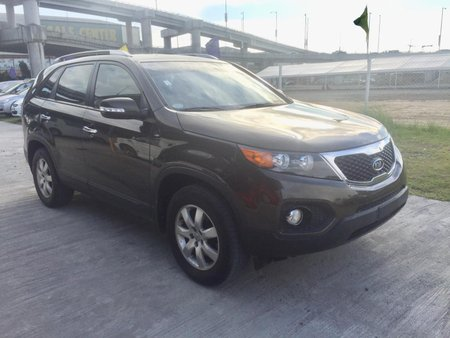 Kia Sorento diesel 2011 AT top of the line