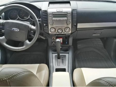 Selling Ford Everest 2013 in Malolos