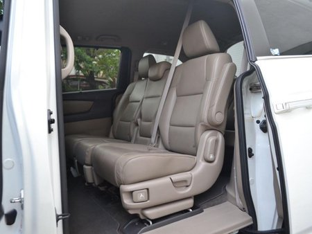 Pearl White Honda Odyssey 2013 for sale in Quezon City