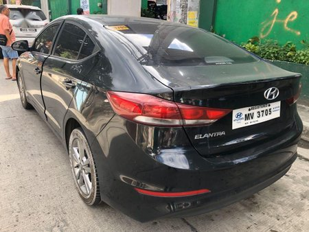 Sell 2018 Hyundai Elantra in Quezon City