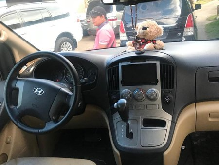 Selling Hyundai Grand Starex 2010 in Calamba