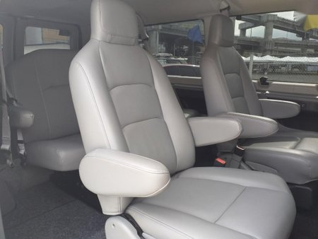 Sell 2011 Ford E-150 in Manila
