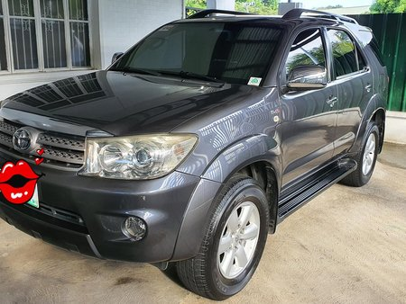 2010 Toyota Fortuner Diesel 4x2 AT