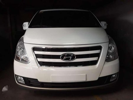 Sell 2016 Hyundai Grand Starex in Manila