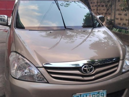 Selling 2nd Hand Toyota Innova in Caloocan