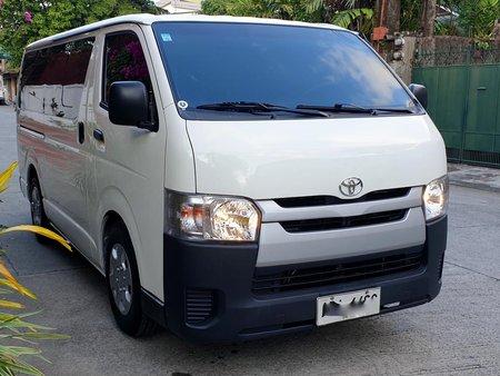 2015 Toyota Hiace Commuter Diesel Van