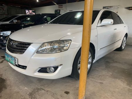 Pearl White Toyota Camry 2008 for sale in Manila