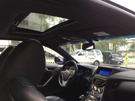 Sell Blue 2013 Hyundai Genesis in Pasig