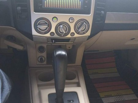 Black Ford Everest 2013 for sale in Automatic