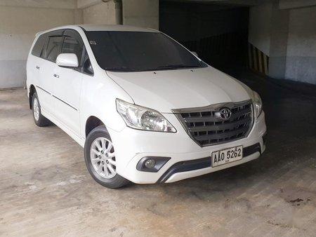 White Toyota Innova 2014 for sale in Manual