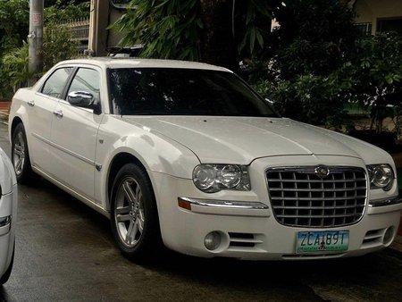 White Chrysler 300c 2012 for sale in Makati