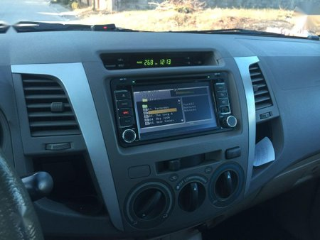 Sell Black 2011 Toyota Hilux in Angeles