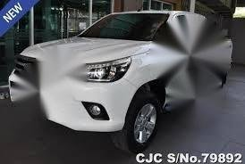 White Toyota Hilux 2016 for sale in Manila