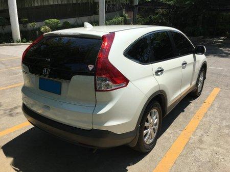 Selling Pearl White Honda Cr-V 2014 in Manila